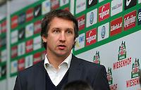FUSSBALL   1. BUNDESLIGA    SAISON 2012/2013    12. Spieltag   SV Werder Bremen - Fortuna Duesseldorf               18.11.2012 Frank Baumann (Werder Bremen)