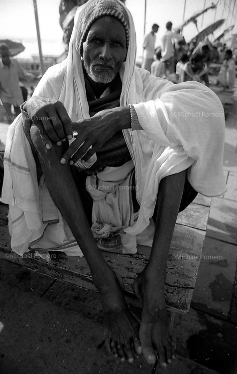 30.09.2006 Varanasi (Uttar Pradesh)<br /> <br />  Portrait of a man coming in pilgrimage in Varanasi.<br /> <br /> Portrait d'un homme en p&eacute;lerinage a Varanasi.