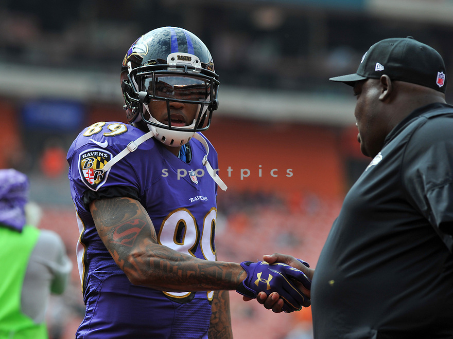 CLEVELAND, OH - JULY 18, 2016: Wide receiver Steve Smith #89 of the Baltimore Ravens shakes hands with a coach prior to a game against the Cleveland Browns on July 18, 2016 at FirstEnergy Stadium in Cleveland, Ohio. Baltimore won 25-20. (Photo by: 2017 Nick Cammett/Diamond Images)  *** Local Caption *** Steve Smith(SPORTPICS)