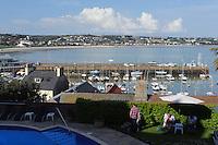 Terrasse des Sommerville Hotel in St. Aubin, Insel Jersey, Kanalinseln
