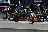 IMSA WeatherTech SportsCar Championship<br /> AMERICA'S TIRE 250<br /> Mazda Raceway Laguna Seca<br /> Monterey, CA USA<br /> Saturday 24 September 2017<br /> 86, Acura, Acura NSX, GTD, Oswaldo Negri Jr., Jeff Segal pit stop<br /> World Copyright: Richard Dole<br /> LAT Images<br /> ref: Digital Image RD_LS_17_357
