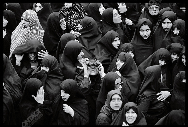 Supporters strain to catch a glimpse of the Ayatollah Khomeini. at the Refah School. Tehran, February 3, 1979.
