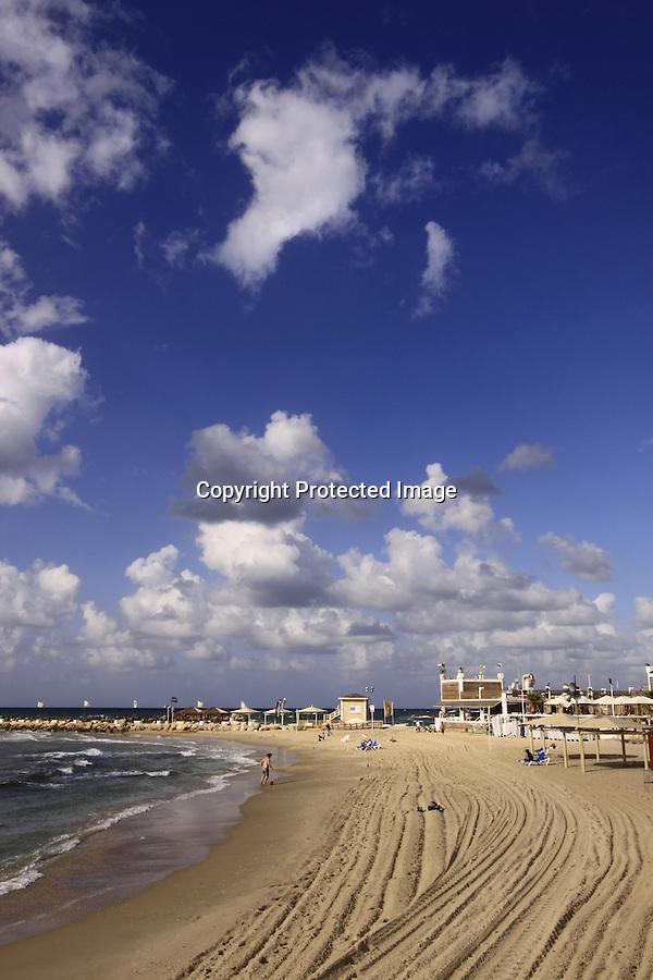 Israel, Tel Aviv-Yafo, Hilton beach