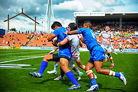 Action from the match between England and Samoa on day two of the 2018 HSBC World Sevens Series Hamilton at FMG Stadium in Hamilton, New Zealand on Saturday, 3 February 2018. Photo: Dave Lintott / lintottphoto.co.nz