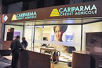- Milan, bank Cariparma Credit Agricole....- Milano, banca Cariparma Credit Agricole