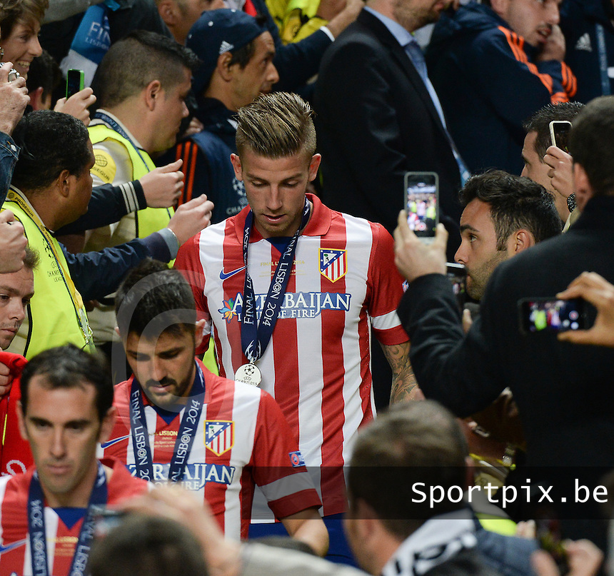 20140524 - LISBON , PORTUGAL : Atletico's Toby Alderweireld pictured disappointed after the lost soccer match between Real Madrid CF and Club Atletico de Madrid in the UEFA Champions League Final on Saturday 24 May 2014 in Estadio Da Luz in Lisbon .  PHOTO DAVID CATRY