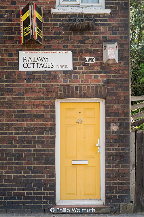 Railway Cottages, house for sale, Hammersmith & Fulham, London.