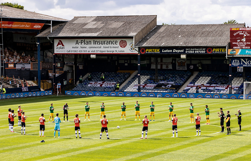 Players observe a minute's silence ahead of the match  <br /> <br /> Photographer Andrew Kearns/CameraSport<br /> <br /> The EFL Sky Bet Championship - Luton Town v Preston North End - Saturday 20th June 2020 - Kenilworth Road - Luton<br /> <br /> World Copyright © 2020 CameraSport. All rights reserved. 43 Linden Ave. Countesthorpe. Leicester. England. LE8 5PG - Tel: +44 (0) 116 277 4147 - admin@camerasport.com - www.camerasport.com