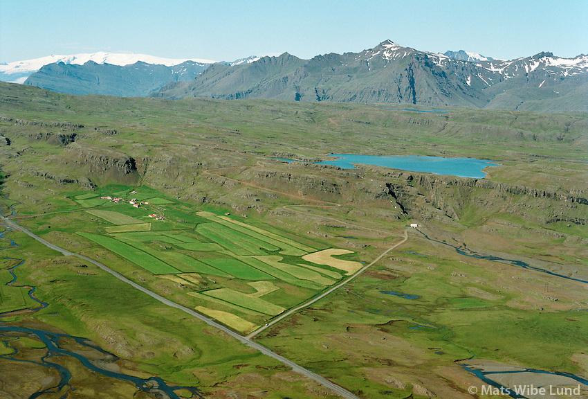 Smyrlabjargarvirkjun og Smyrlabjörg, séð til vesturs, Borgarhafnarhreppur. Öræfajökull í baksýni  /   Smyrlabjargarvirkjun power station and the farm Smyrlabjorg viewing west. Borgarhafnarhreppur. Oraefajoikull glacier in background. - -  New name of the county:  Sveitarfélagið Hornafjörður /  Sveitarfelagid Hornafjordur.
