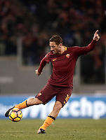 Calcio, ottavi di finale di Tim Cup: Roma vs Sampdoria. Roma, stadio Olimpico, 19 gennaio 2017.<br /> Roma's Francesco Totti in action during the Italian Cup round of 16 football match between Roma and Sampdoria at Rome's Olympic stadium, 19 January 2017.<br /> UPDATE IMAGES PRESS/Isabella Bonotto