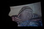 """Iñaki Ochoa de Olzaren erreskate ahalegina kontatzen duen 'Pura Vida' filmaren pantailaratzea, Ondarru (Euskal Herri) 2013ko Urriaren 11a. Marabilli sormen festibala"""" Aitzol Aramaio zenaren indarrarekin jaiotako egitasmo bat da eta helburua da hainbat artista Ondarroan biltzea, idazleak, musikariak, zinegileak, antzerkilariak, artista plastikoak, diseinatzaileak. (Gari Garaialde / Bostok Photo)"""
