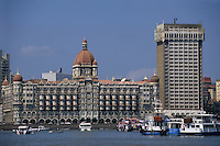 "Asie/Inde/Maharashtra/Bombay: Hôtel ""Taj Mahal Bombay"" [et la Gateway of India]"