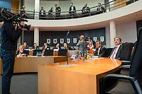 Sitzung des Abgas-Untersuchungsausschuss des Deutschen Bundestag am Montag den 13. Februar 2017.<br /> Im Bild vlnr.: Die Zeugen Dr. Frank Albrecht, zustaendig fuer das Strassenverkehrsrecht im Verkehrsministerium zustaendig fuer die Zulassung von Fahrzeugen und Guido Zielke, Unterabteilungsleiter Strassenverkehr im Verkehrsministerium.<br /> 13.2.2017, Berlin<br /> Copyright: Christian-Ditsch.de<br /> [Inhaltsveraendernde Manipulation des Fotos nur nach ausdruecklicher Genehmigung des Fotografen. Vereinbarungen ueber Abtretung von Persoenlichkeitsrechten/Model Release der abgebildeten Person/Personen liegen nicht vor. NO MODEL RELEASE! Nur fuer Redaktionelle Zwecke. Don't publish without copyright Christian-Ditsch.de, Veroeffentlichung nur mit Fotografennennung, sowie gegen Honorar, MwSt. und Beleg. Konto: I N G - D i B a, IBAN DE58500105175400192269, BIC INGDDEFFXXX, Kontakt: post@christian-ditsch.de<br /> Bei der Bearbeitung der Dateiinformationen darf die Urheberkennzeichnung in den EXIF- und  IPTC-Daten nicht entfernt werden, diese sind in digitalen Medien nach §95c UrhG rechtlich geschuetzt. Der Urhebervermerk wird gemaess §13 UrhG verlangt.]