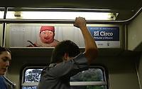 """MEDELLÍN - COLOMBIA, 30-01-2015.  Fernando Botero, artista Colombiano, abordó un vagón del metro de Medellín adornado con las imágenes de su más reciente obra """"El Circo"""" y que fue  bautizado con el  """"Tren de la Cultura"""". La obra está conformada por  32 óleos y 20 dibujos./ Fernando Botero, the Colombian artist, boarded a subway car of Medellin decorated with images of his latest work """"The Circus"""" and was baptized with the """"Train of Culture"""". The work consists of 32 oil paintings and 20 drawings.  Photo: VizzorImage/ León Monsalve /STR"""