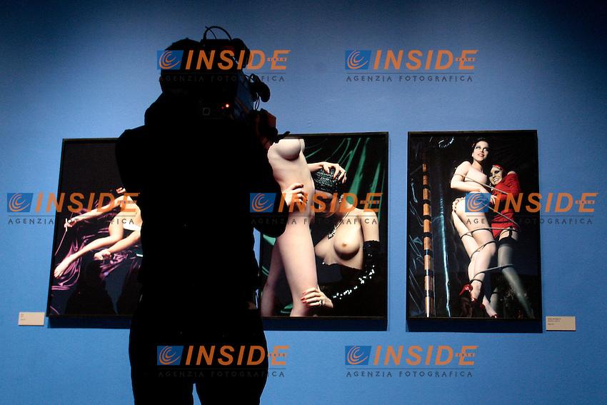 Roma 05/03/2013 Palazzo delle Esposizioni. Mostra fotografica del fotografo Helmut Newton dal titolo ' White Nudes - Sleepless Nights - Big Nudes '..Exhibition of the Photographer Helmut Newton titled ' White Nudes - Sleepless Nights - Big Nudes '.Photo Samantha Zucchi Insidefoto