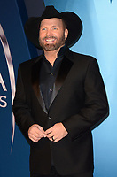 NASHVILLE, TN - NOVEMBER 8:  Garth Brooks arrives at the 51st Annual CMA Awards at the Bridgestone Arena on November 8, 2017 in Nashville, Tennessee. (Photo by Tonya Wise/PictureGroup)