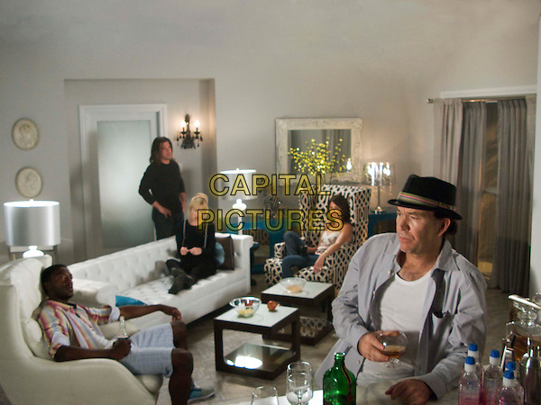 ALDIS HODGE, CHRISTIAN KANE, BETH RIESGRAF, GINA BELLMAN & TIMOTHY HUTTON.in Levrage.(Season 1, Episode 9: The Snow Job).*Filmstill - Editorial Use Only*.CAP/FB.Supplied by Capital Pictures.