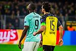 05.11.2019, Signal Iduna Park, Dortmund , GER, Champions League, Gruppenphase, Borussia Dortmund vs Inter Mailand, UEFA REGULATIONS PROHIBIT ANY USE OF PHOTOGRAPHS AS IMAGE SEQUENCES AND/OR QUASI-VIDEO<br /> <br /> im Bild | picture shows:<br /> Romelu Lukaku (Inter #9) mit Mats Hummels (Borussia Dortmund #15),<br /> <br /> Foto © nordphoto / Rauch