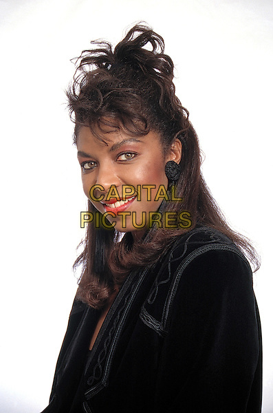 Natalie Cole<br /> studio portrait<br /> &copy; Scott Weiner /MPI/Capital Pictures<br /> 1987<br /> SPECIAL FEES APPLY<br /> NO TABLOIDS<br />  &copy; MPI/Capital Pictures