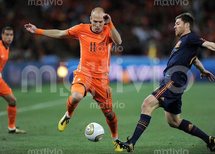 FUSSBALL WM 2010  FINALE   11.07.2010 Holland - Spanien Arjen ROBBEN (Holland) gegen
