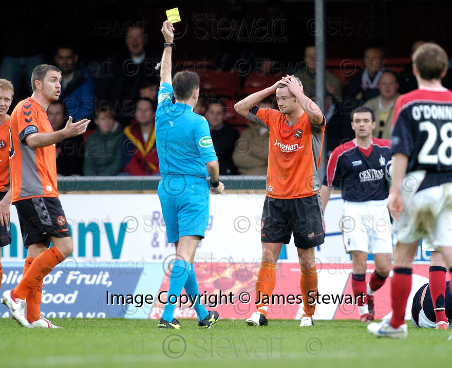 28/10/2006       Copyright Pic: James Stewart.File Name :sct_jspa19_falkirk_v_dundee_utd.NOEL HUNT GETS HIS SECOND YELLOW AND IS SENT OFF.James Stewart Photo Agency 19 Carronlea Drive, Falkirk. FK2 8DN      Vat Reg No. 607 6932 25.Office     : +44 (0)1324 570906     .Mobile   : +44 (0)7721 416997.Fax         : +44 (0)1324 570906.E-mail  :  jim@jspa.co.uk.If you require further information then contact Jim Stewart on any of the numbers above.........