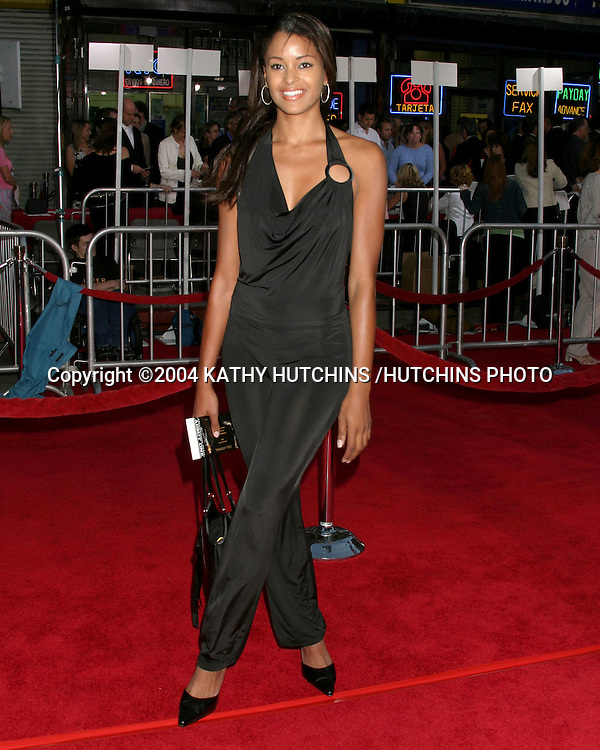 """©2004 KATHY HUTCHINS /HUTCHINS PHOTO.PREMIERE OF """"COLLATERAL"""".ORPHEUM THEATER, DOWNTOWN LA.LOS ANGELES, CA.AUG 2, 2004..CLAUDIA JORDAN"""
