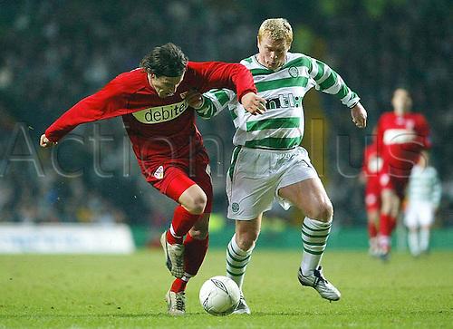 20 02 2003. UEFA Cup knock-out Leg Celtic Glasgow versus VfB Stuttgart. Ioannis Amanatidis VfB beats Neil Lennon (Celtic)
