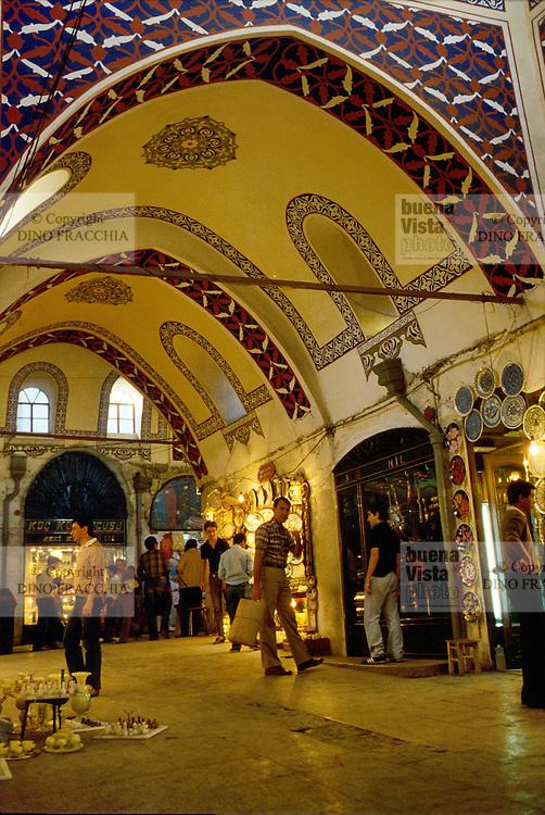 - the grand Bazaar (Kapali Carsi)....- il gran Bazaar (Kapali Carsi)