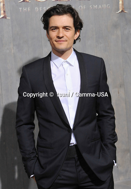 Orlando Bloom  arriving at The Hobbit Premiere at the Dolby Theatre in Los Angeles.