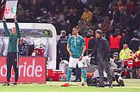 Bundestrainer Joachim Loew (Deutschland Germany) wechselt Sandro Wagner (Deutschland Germany) fuer Mario Gomez (Deutschland Germany) ein - 27.03.2018: Deutschland vs. Brasilien, Olympiastadion Berlin