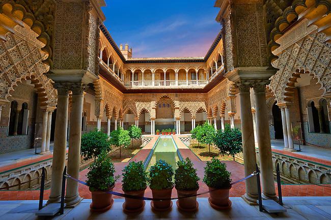 Patio de las Doncellas (Courtyard of the Maidens) an Italian Renaissance courtyard (1540-72) with Arabesque Mudéjar style plaster work, Alcazar of Seville, Seville, Spain