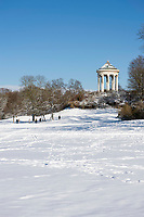 Deutschland, Bayern, Muenchen: Winter im Englischen Garten - Monopteros | Germany, Bavaria, Munich: winter at the English Garden - Monopteros