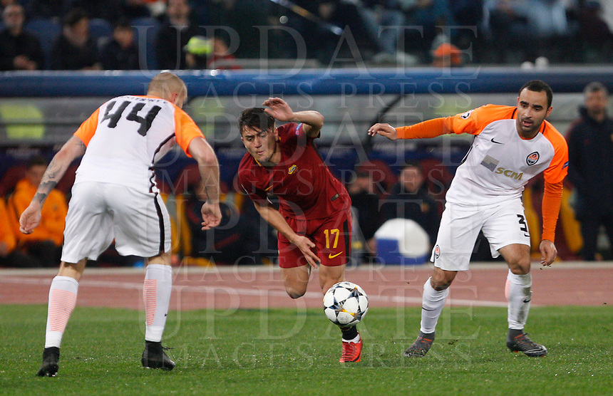 Roma s Cengiz Under, center, is challenged by Shakhtar Donetsk's Yaroslav Rakitskly, left, and Ismaily during the Uefa Champions League round of 16 second leg soccer match between Roma and Shakhtar Donetsk at Rome's Olympic stadium, March 13, 2018. Roma won. 1-0 to join the quarter finals.<br /> UPDATE IMAGES PRESS/Riccardo De Luca