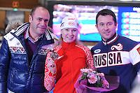 SCHAATSEN: BERLIJN: Sportforum, 06-12-2013, Essent ISU World Cup, Team Russia, Alexey Kravzov, Olga Fatkulina, Pavel Abratkiewicz, ©foto Martin de Jong