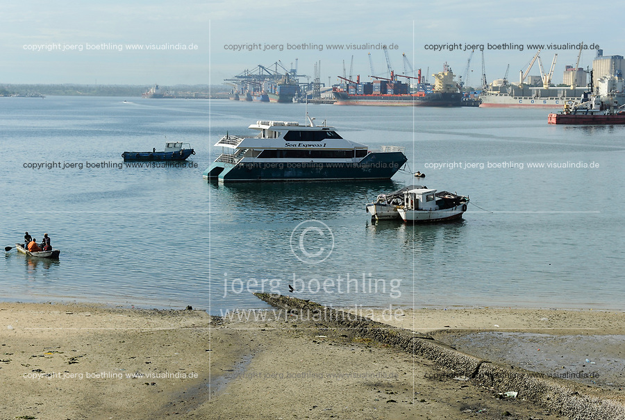 Tanzania Dar es Salaam , harbour / TANSANIA Dar es Salam, Hafen