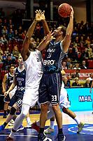 GRONINGEN - Basketbal, Donar - Weert, Dutch Baketball League, seizoen 2018-2019, 07-10-2018, Donar speler Drago Pasalic met Weert speler Elay Wirjo