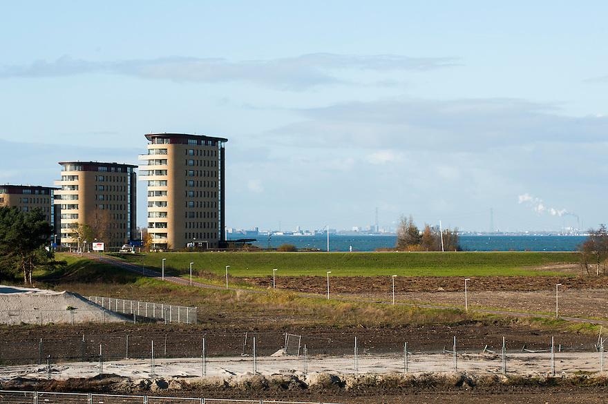Nederland, Almere, 25 nov 2013<br /> Almere de Poort, westelijk deel van Almere waar uitbreidingsplannen zijn met wonen in / op het water richting Pampus.<br /> <br /> Foto: Michiel Wijnbergh