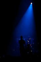 MADRID, ESPANHA, 05 DE MAIO DE 2012 - SHOW ENRIQUE IGLESIAS -  O cantor espanhol Enrique inglesais durante apresentação no Palacio dos Esportes em Madrid capital da Espanha ontem dia 4. (FOTO: BILLY CHAPPEL / ALFAQUI / BRAZIL PHOTO PRESS).