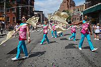 NOVA YORK, USA, 24.06.2018 - PARADA-LGBT - Populares desfilam durante a Parada LGBT em na cidade de Nova York nos Estados Unidos neste domingo, 24. (Foto: Vanessa Carvalho/Brazil Photo Press)