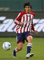 Chivas USA midfielder Sacha Kljestan (16) looks for an open man. CD Chivas USA beat Real Salt Lake 1-0 in a MLS game at the Home Depot Center in Carson, California, Sunday, August 26, 2007.