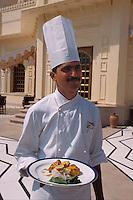 """Indien, Udaipur, Restaurant im Hotel Udaivilas, """"Chef """" Vigender präsentiert Tandoori"""