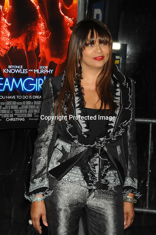 "Tina Knowles..arriving at The World Premier of ""Dreamgirls"" on ..December 4, 2006 at The Ziegfeld Theatre in New York, ..Roibn Platzer, Twin Images"