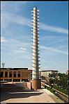 Il nuovo Parco Dora. Nell'area delle acciaierie Vitali nasce il nuovo parco della Spina tre. La ciminiera della vecchia fabbrica è ora il campanile del santuario del santo volto.