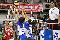 RIO DE JANEIRO, 27.04.2014 -   Dayse da equipe SESI (SP) ataca durante a final da Liga 2013/2014 disputada neste domingo no Maracanazinho. (Foto: Néstor J. Beremblum / Brazil Photo Press)