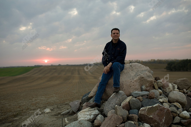 Farm Rescue founder Bill Gross near the farm of Richard Bring. Galesburg, North Dakota, October 6, 2007.