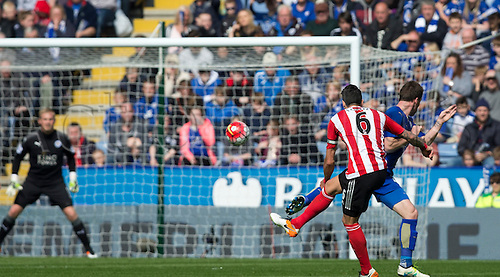 03.04.2016. King Power Stadium, Leicester, England. Barclays Premier League. Leicester versus Southampton.  Southampton defender Jose Fonte takes a shot at the Leicester goal.