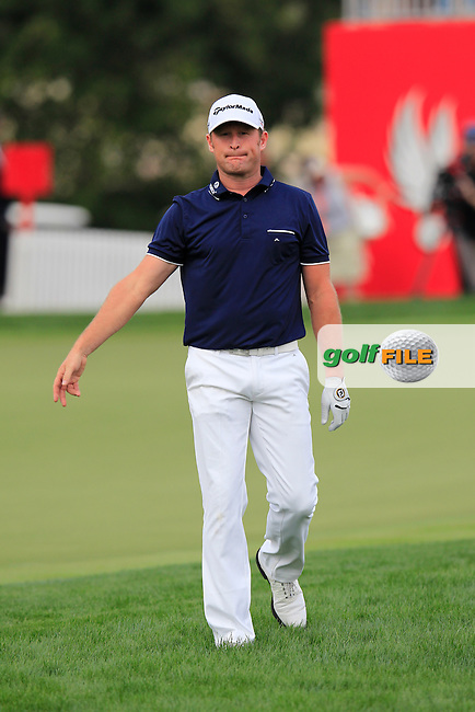 Jamie Donaldson (WAL) walks onto the 18th green during Sunday's Final Round of the Abu Dhabi HSBC Golf Championship 2015 held at the Abu Dhabi Golf Course, United Arab Emirates. 18th January 2015.<br /> Picture: Eoin Clarke www.golffile.ie