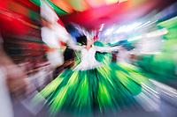 """SÃO PAULO, SP, 29.07.2018 - CARNAVAL-SP - A escola samba X-9 Paulistana apresentou seu samba """" O Show tem que continuar, meu lugar é cercado de luta é cercado de luta e suor, esperança de um mundo melhor"""" em homenagem a Arlindo Cruz  a escola que faz parte do grupo do especial do carnaval de São Paulo, neste domingo, 29. (Foto: Nelson Gariba/Brazil Photo Press)"""