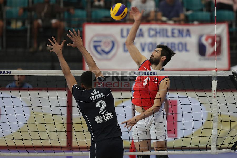 30 Octubre 2016, Santiago-Chile. Encuentro jugado por los equipos de la selección chilena de vóleibol ante San Juan de Argentina por la final del torneo internacional Copa Fevochi que se realizó en el Gimnasio del CEO. ©Ernesto Zelada - Xpress Media