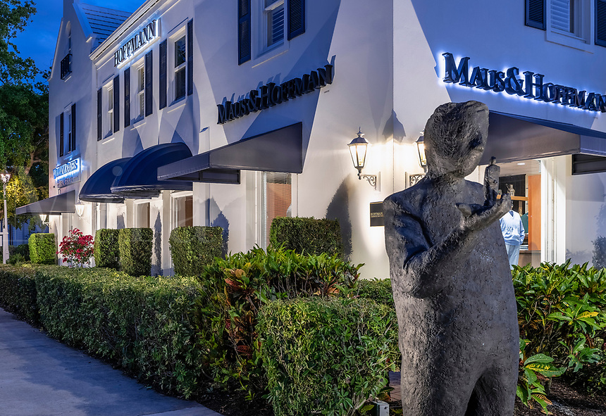 Sculpture landmark at Maus and Hoffman store, Naples, Florida, USA.